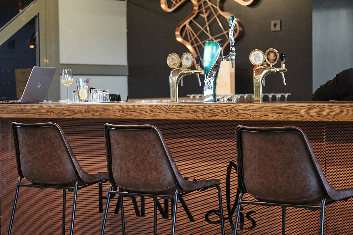 Counter stool or bar stool - which one to choose?