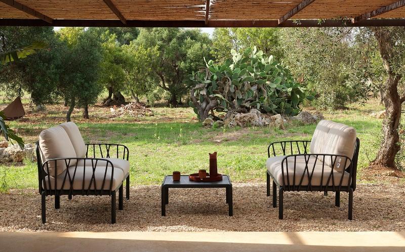 From closer. Lounge terrace. Lounge Komodo 5 sofa.